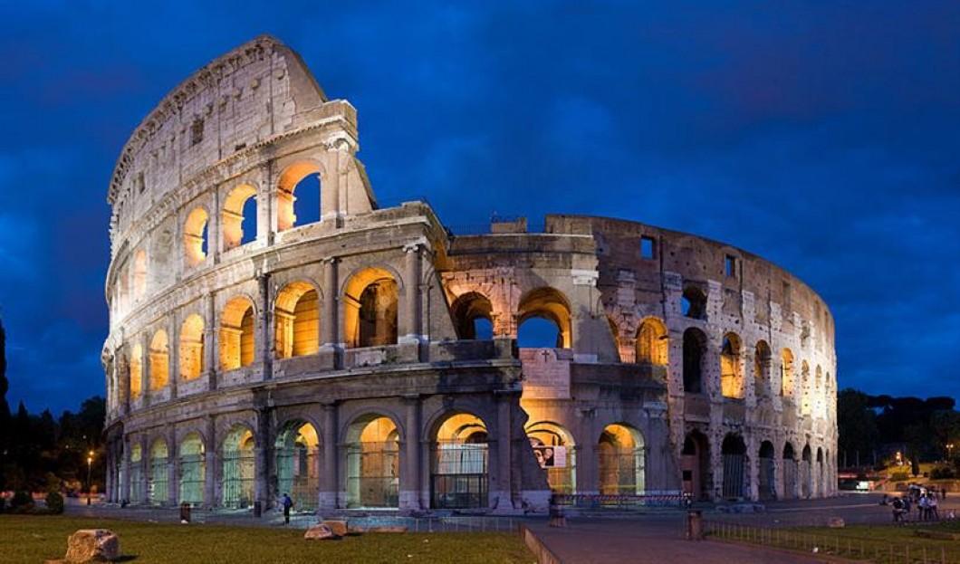 6) Colosseum, Rome, Italie