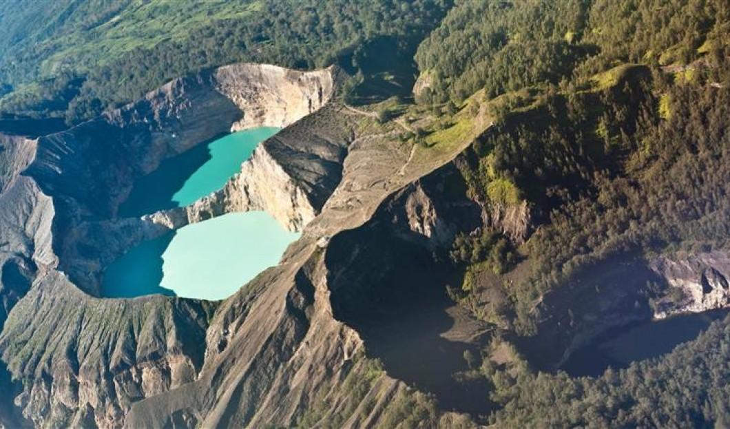 Flores, Indonésie – Volcan Kelimutu