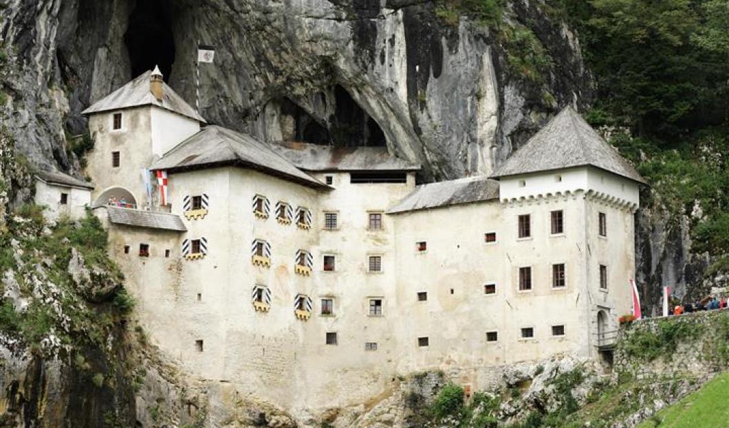 Château de Predjama, Slovénie.