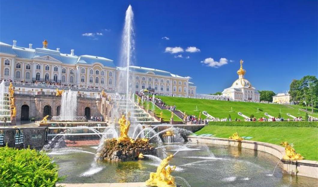 3) Peterhof